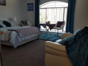 Room 6 at Palm Beach B and B for Rockingham Accommodation